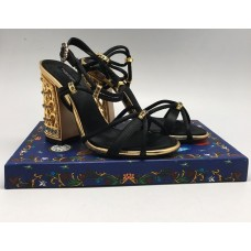 Босоножки Dolce&Gabbana черные с золотым каблуком