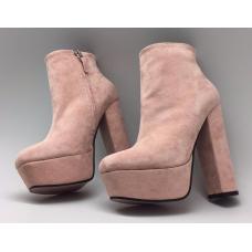Женские замшевые ботильоны Gucci розовые
