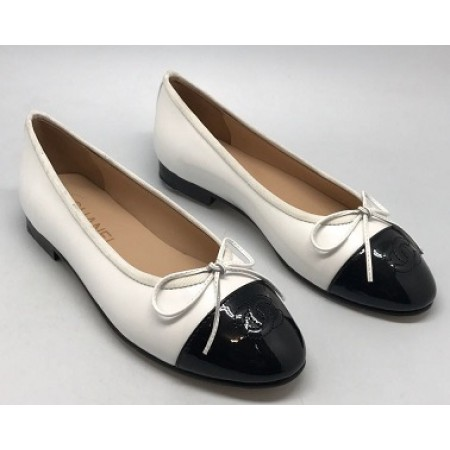 Эксклюзивная брендовая модель Женские кожаные  брендовые  балетки Chanel Cruise белые с черным