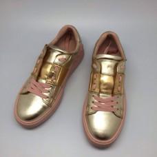 Женские кожаные золотистые кроссовки Valentino Garavani Rockstud