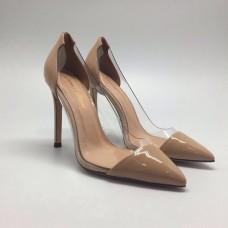 Женские кожаные лакированные туфли Gianvito Rossi бежевые